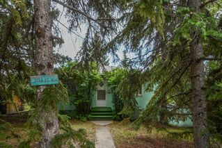 Photo 3: 2116 52 Street NW in Calgary: Montgomery Detached for sale : MLS®# A1025268