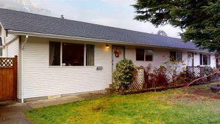 Photo 2: 41551 BRENNAN Road in Squamish: Brackendale 1/2 Duplex for sale : MLS®# R2520579