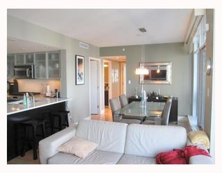 "Photo 5: 1901 1205 HASTINGS Street in Vancouver: Coal Harbour Condo for sale in ""THE CIELO"" (Vancouver West)  : MLS®# V790471"