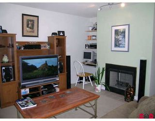 """Photo 3: 134 14154 103RD Avenue in Surrey: Whalley Townhouse for sale in """"TIFFANY SPRINGS"""" (North Surrey)  : MLS®# F2823004"""