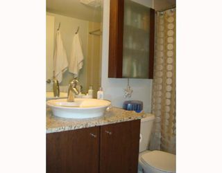 """Photo 8: 2102 1155 SEYMOUR Street in Vancouver: Downtown VW Condo for sale in """"BRAVA"""" (Vancouver West)  : MLS®# V756827"""