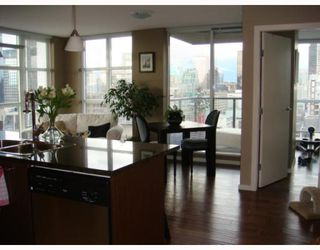 """Photo 6: 2102 1155 SEYMOUR Street in Vancouver: Downtown VW Condo for sale in """"BRAVA"""" (Vancouver West)  : MLS®# V756827"""