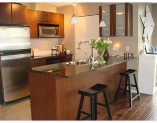 """Photo 5: 2102 1155 SEYMOUR Street in Vancouver: Downtown VW Condo for sale in """"BRAVA"""" (Vancouver West)  : MLS®# V756827"""