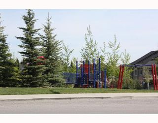 Photo 20: 399 EVERGLADE Circle SW in CALGARY: Evergreen Residential Detached Single Family for sale (Calgary)  : MLS®# C3381893