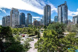 "Main Photo: 412 488 HELMCKEN Street in Vancouver: Yaletown Condo for sale in ""ROBINSON TOWER"" (Vancouver West)  : MLS®# R2389549"