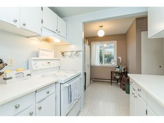 "Photo 10: 10 20303 53 Avenue in Langley: Langley City Townhouse for sale in ""McMillan Place"" : MLS®# R2419937"