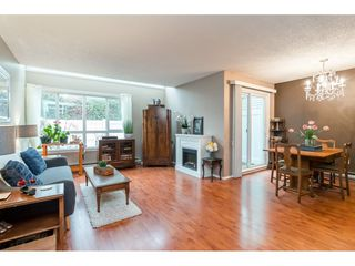 "Photo 4: 10 20303 53 Avenue in Langley: Langley City Townhouse for sale in ""McMillan Place"" : MLS®# R2419937"