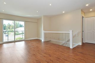 Photo 3: 2674 STELLAR COURT in Coquitlam: Eagle Ridge CQ House 1/2 Duplex for sale : MLS®# R2403912