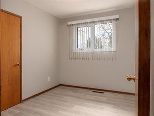 Photo 12: 230 Carson Bay in Winnipeg: Crestview Residential for sale (5H)  : MLS®# 202007601
