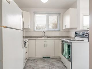 Photo 8: 230 Carson Bay in Winnipeg: Crestview Residential for sale (5H)  : MLS®# 202007601