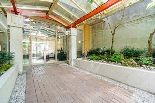"""Photo 2: 607 822 HOMER Street in Vancouver: Downtown VW Condo for sale in """"The Galileo"""" (Vancouver West)  : MLS®# R2455369"""