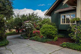 Photo 2: 21336 DOUGLAS AVENUE Avenue in Maple Ridge: West Central House for sale : MLS®# R2456949