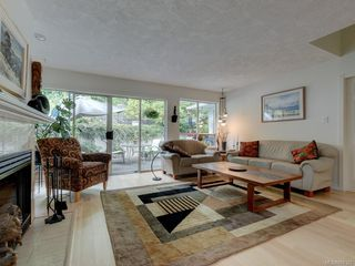Photo 3: 28 5110 Cordova Bay Rd in : SE Cordova Bay Row/Townhouse for sale (Saanich East)  : MLS®# 850325