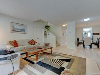 Photo 4: 28 5110 Cordova Bay Rd in : SE Cordova Bay Row/Townhouse for sale (Saanich East)  : MLS®# 850325