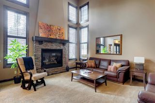 Photo 12: 123 Tremblant Way SW in Calgary: Springbank Hill Detached for sale : MLS®# A1022174