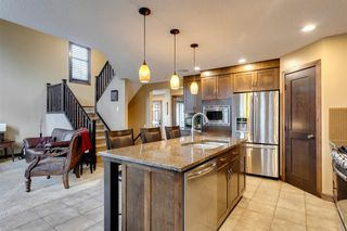 Photo 8: 123 Tremblant Way SW in Calgary: Springbank Hill Detached for sale : MLS®# A1022174