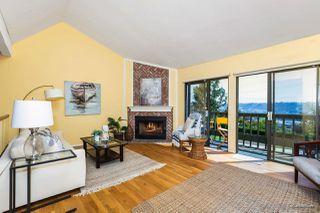 Photo 6: SAN DIEGO Townhome for sale : 3 bedrooms : 6844 Camino Berdecio