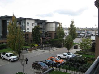 """Photo 19: 301 20078 FRASER Highway in Langley: Langley City Condo for sale in """"Varsity"""" : MLS®# R2510892"""