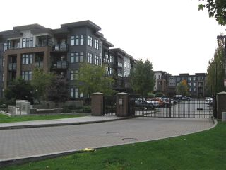 """Photo 2: 301 20078 FRASER Highway in Langley: Langley City Condo for sale in """"Varsity"""" : MLS®# R2510892"""