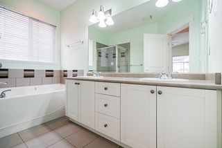 """Photo 7: 6932 197B Street in Langley: Willoughby Heights House for sale in """"Providence"""" : MLS®# R2517449"""