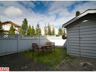 """Photo 8: 15 9540 PRINCE CHARLES Way in Surrey: Queen Mary Park Surrey Townhouse for sale in """"Cedar Hills"""" : MLS®# F1024039"""