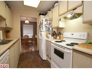 """Photo 5: 15 9540 PRINCE CHARLES Way in Surrey: Queen Mary Park Surrey Townhouse for sale in """"Cedar Hills"""" : MLS®# F1024039"""