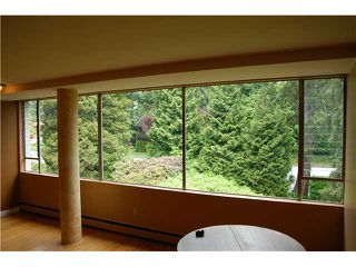 "Photo 3: 215 2290 MARINE Drive in West Vancouver: Dundarave Condo for sale in ""SEAVIEW GARDENS"" : MLS®# V860353"
