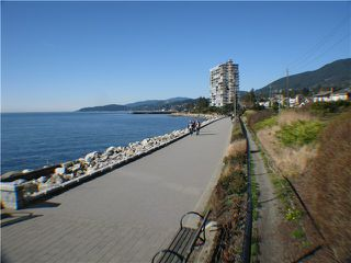 "Photo 4: 215 2290 MARINE Drive in West Vancouver: Dundarave Condo for sale in ""SEAVIEW GARDENS"" : MLS®# V860353"