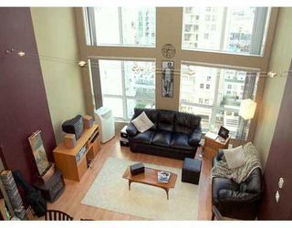 """Photo 1: 910 933 SEYMOUR ST in Vancouver: Downtown VW Condo for sale in """"SPOT"""" (Vancouver West)  : MLS®# V577045"""