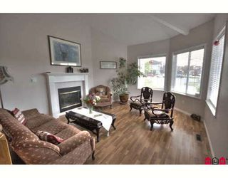 Photo 2: 16068 80A Avenue in Surrey: Fleetwood Tynehead House for sale : MLS®# F2910416