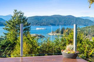 "Photo 2: 6239 OVERSTONE Drive in West Vancouver: Gleneagles House for sale in ""Gleneagles"" : MLS®# R2412663"