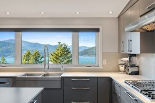 "Photo 14: 6239 OVERSTONE Drive in West Vancouver: Gleneagles House for sale in ""Gleneagles"" : MLS®# R2412663"