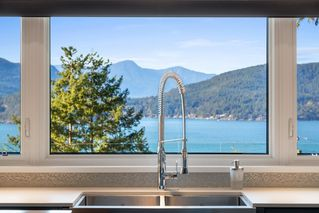 "Photo 3: 6239 OVERSTONE Drive in West Vancouver: Gleneagles House for sale in ""Gleneagles"" : MLS®# R2412663"