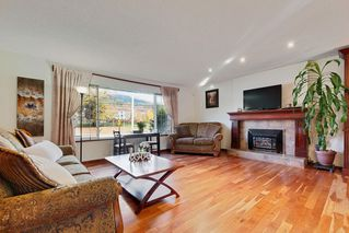 "Photo 2: 1284 VICTORIA Drive in Port Coquitlam: Oxford Heights House for sale in ""OXFORD HEIGHTS"" : MLS®# R2419496"