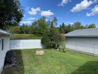 Photo 2: 17216 77 Avenue in Edmonton: Zone 20 House for sale : MLS®# E4198698