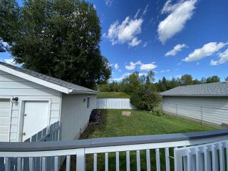 Photo 3: 17216 77 Avenue in Edmonton: Zone 20 House for sale : MLS®# E4198698