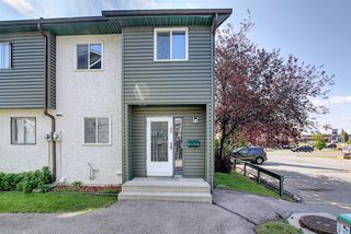 Photo 1: 89 2511 38 Street NE in Calgary: Rundle Row/Townhouse for sale : MLS®# A1022861