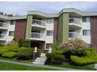 "Photo 1: 301 327 9TH Street in New Westminster: Uptown NW Condo for sale in ""KENNEDY MANOR"" : MLS®# V831845"