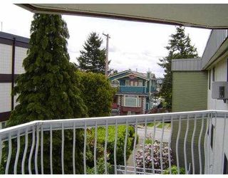 "Photo 9: 301 327 9TH Street in New Westminster: Uptown NW Condo for sale in ""KENNEDY MANOR"" : MLS®# V831845"