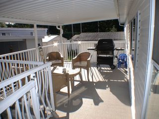 "Photo 14: 27A 24330 FRASER Highway in Langley: Otter District Manufactured Home for sale in ""Langley Grove Estates"" : MLS®# F2825559"