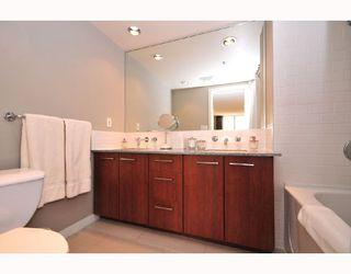 "Photo 7: 1703 4333 CENTRAL Boulevard in Burnaby: Metrotown Condo for sale in ""PRECEDIA"" (Burnaby South)  : MLS®# V741696"