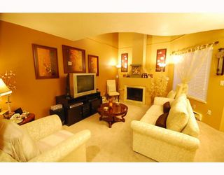 Photo 2: 4 8580 WESTMINSTER Highway in Richmond: Brighouse Townhouse for sale : MLS®# V755517