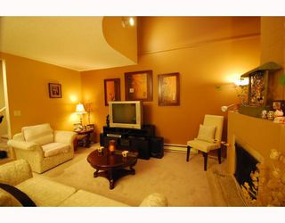 Photo 3: 4 8580 WESTMINSTER Highway in Richmond: Brighouse Townhouse for sale : MLS®# V755517