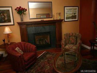Photo 2: 920 Eastwicke Cres in COMOX: CV Comox (Town of) House for sale (Comox Valley)  : MLS®# 504056