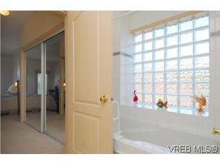 Photo 9: 403 1085 Tillicum Road in VICTORIA: Es Kinsmen Park Condo Apartment for sale (Esquimalt)  : MLS®# 263087