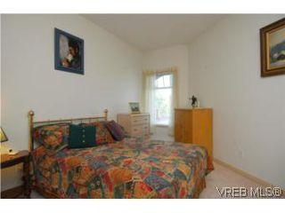 Photo 6: 403 1085 Tillicum Road in VICTORIA: Es Kinsmen Park Condo Apartment for sale (Esquimalt)  : MLS®# 263087