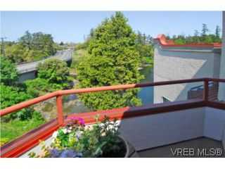 Photo 10: 403 1085 Tillicum Rd in VICTORIA: Es Kinsmen Park Condo Apartment for sale (Esquimalt)  : MLS®# 504110
