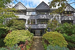 """Main Photo: 112 925 W 10TH Avenue in Vancouver: Fairview VW Condo for sale in """"LAUREL PLACE"""" (Vancouver West)  : MLS®# R2406417"""