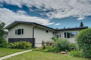 Photo 1: 27 BRAMPTON Crescent SW in Calgary: Braeside Detached for sale : MLS®# C4269646