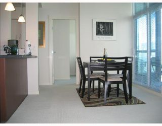 """Photo 4: 3002 1189 MELVILLE Street in Vancouver: Coal Harbour Condo for sale in """"MELVILLE"""" (Vancouver West)  : MLS®# V780336"""